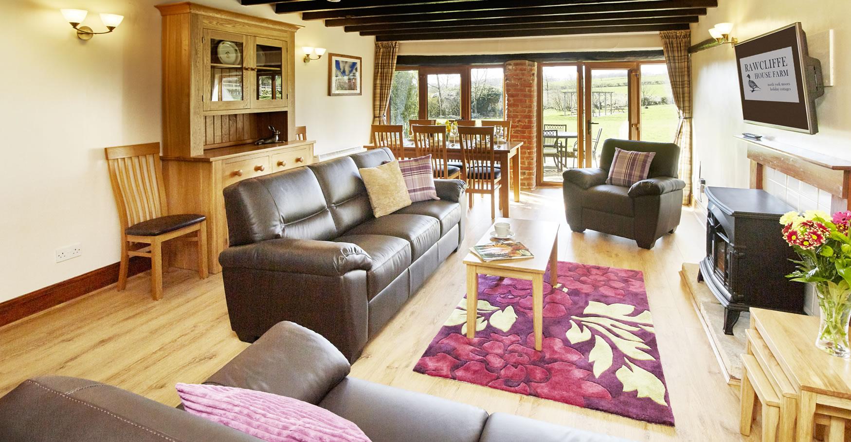 giltspurcottage-livingroom